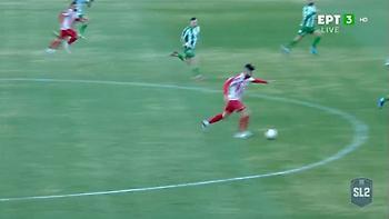 Ο Καπνίδης λίγο έλειψε να βάλει γκολάρα από το κέντρο (video)