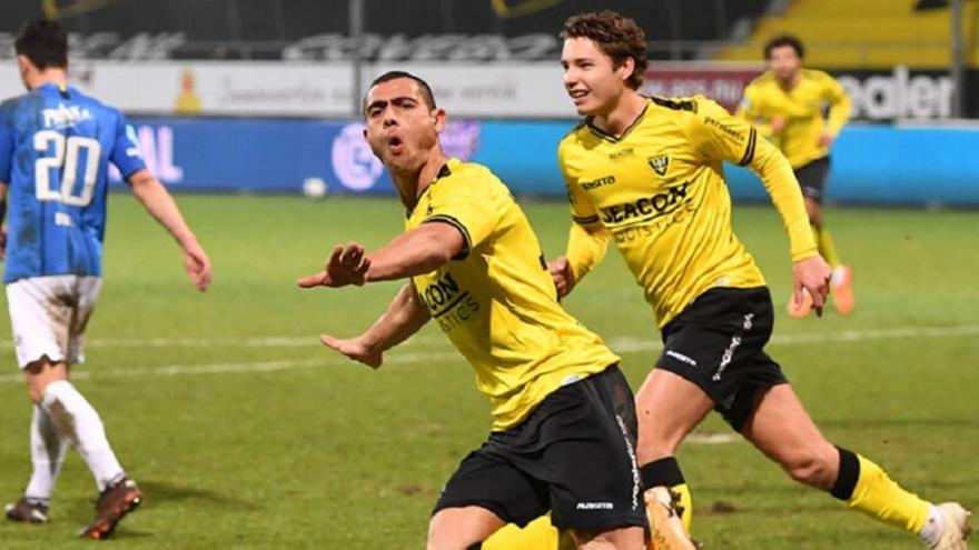 Γιακουμάκης: Σκόραρε το 21ο γκολ στην Ολλανδία