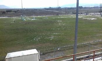 Θεσσαλονίκη: 24χρονος μπούκαρε σε γήπεδο για να κάνει μπαντιλίκια με το αυτοκίνητό του (pic)