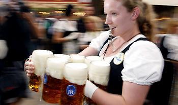 Οι Γερμανοί ήπιαν 500 εκατ. λίτρα μπύρας λιγότερα - «Θύμα» του κορωνοϊού η ζυθοποιία