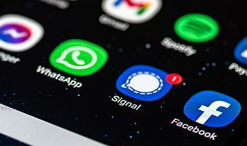 Τι είναι το Signal και γιατί ο Elon Musk θέλει να το κατεβάσουμε - Θα επισκιάσει το Whatsapp;