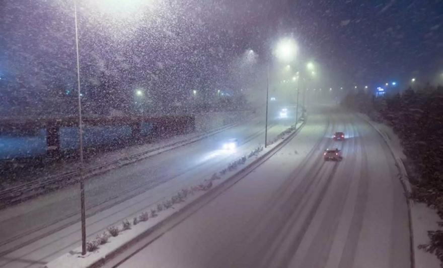 Καιρός: Στην κατάψυξη όλη η χώρα – Χιονοθύελλες μέχρι 10 μποφόρ (pic+vids)