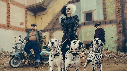 Φοβερό: Έρχεται ταινία της Disney με την Έμα Στόουν ως Cruella De Vil (video)