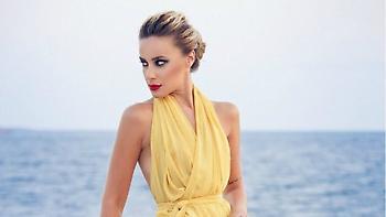 Η πρώην του Πουλίδο, Τζίνα Μαμάκη αποκαλύπτεται στο Playboy (video)