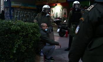 Σύλληψη στην πορεία υπέρ του Δημήτρη Κουφοντίνα (video)