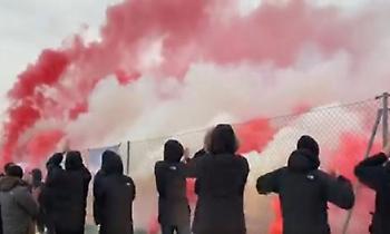 Οπαδοί της Ατλέτικο έκαναν... εξέδρα στην προπόνηση για να στηρίξουν Σιμεόνε και παίκτες (vid)