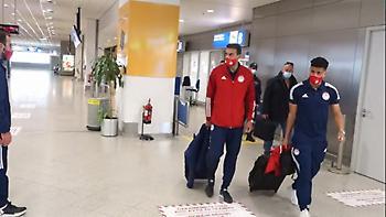 «Πάτησε» Ελλάδα ο Ολυμπιακός: Παίκτες και Μαρτίνς έμαθαν την κλήρωση με Άρσεναλ στο αεροπλάνο (vid)