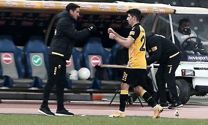 Χιμένεθ: «Για να γυρίσει η ΑΕΚ στους τίτλους θέλει τους καλύτερους και ο Μάνταλος είναι απ' αυτούς»