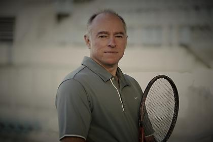 Ο Θοδωρής Γκλαβάς θέλει να βάλει το ελληνικό τένις στη νέα εποχή