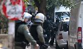 Εκκένωση κτηρίου από την αστυνομία στην περιοχή του Αγίου Παντελεήμονα
