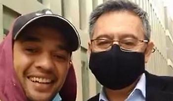 Απίστευτο: Ο συλληφθείς Μπαρτομέου έβγαλε φωτογραφία με φίλαθλο