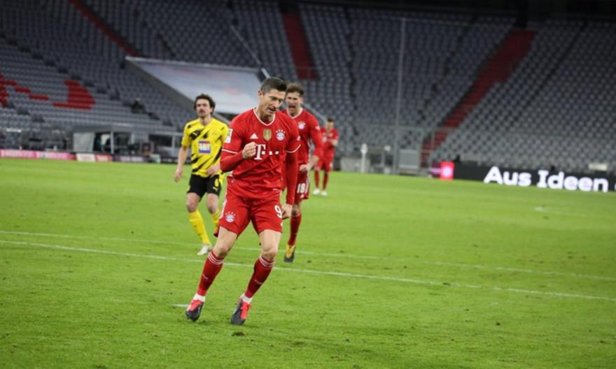 Λεβαντόφσκι: 19 γκολ σε 14 ματς πρωταθλήματος κόντρα στη Ντόρτμουντ