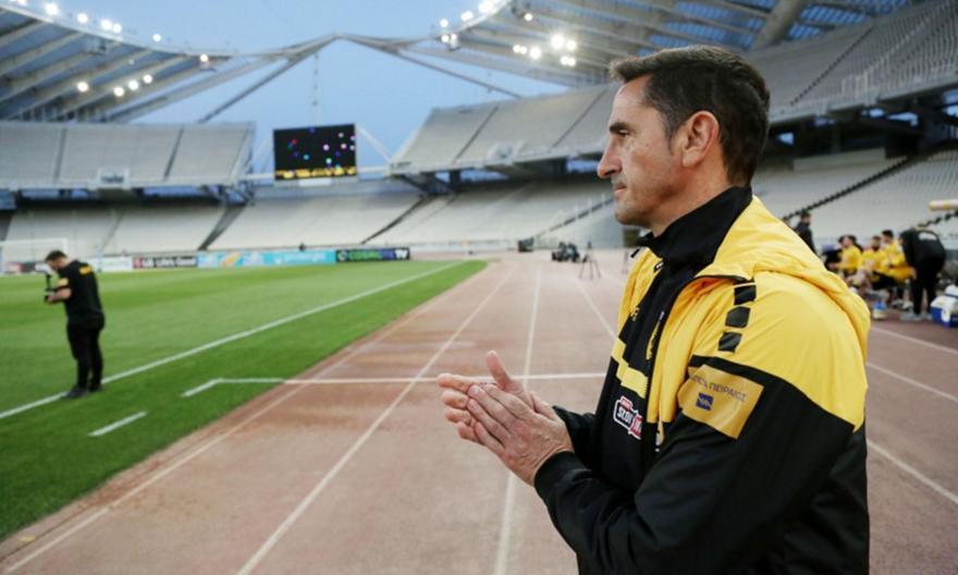 Χιμένεθ στους παίκτες της ΑΕΚ: «Είμαι περήφανος για σας»
