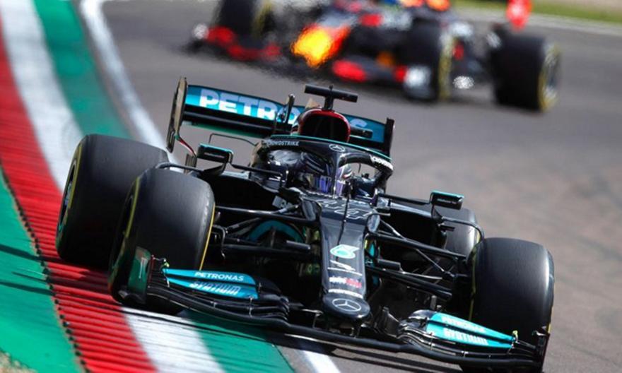 Formula 1: Πήρε την pole position στην Ίμολα ο Χάμιλτον!