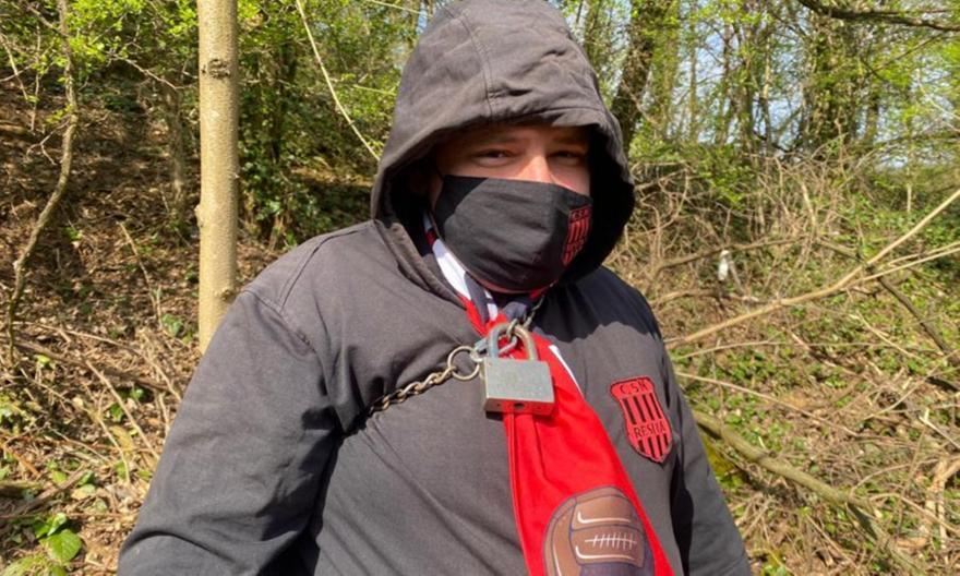 Ρουμανία: Οπαδοί δέθηκαν σε δέντρα για να δουν ματς