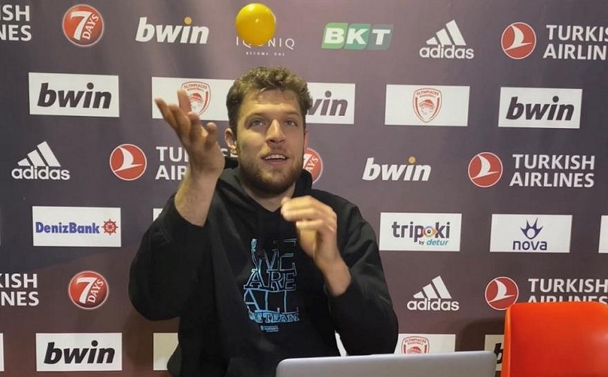 Μίλησε με τους αθλητές του One Team ο… κόουτς Βεζένκοφ