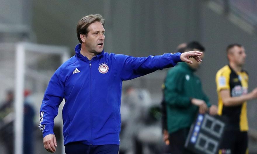 Το 7-3-0 του Ολυμπιακού στην ΑΕΚ με ξένους διαιτητές και το 14-2 του Πέδρο στο Χιμένεθ!