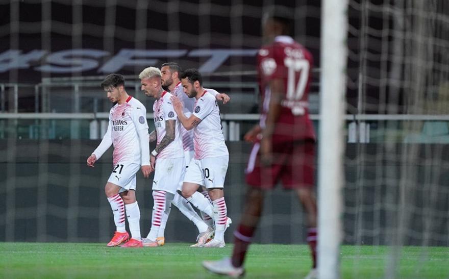 Τορίνο-Μίλαν 0-7, Σασουόλο-Γιουβέντους 1-3