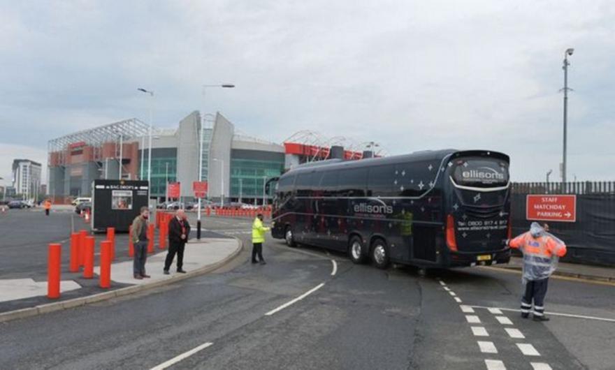 Λίβερπουλ: Με αντιπερισπασμό έφτασε η αποστολή στο γήπεδο