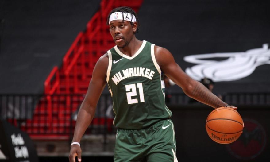 NBA: Δωρεά 1 εκατ. δολαρίων από τον Χόλιντεϊ