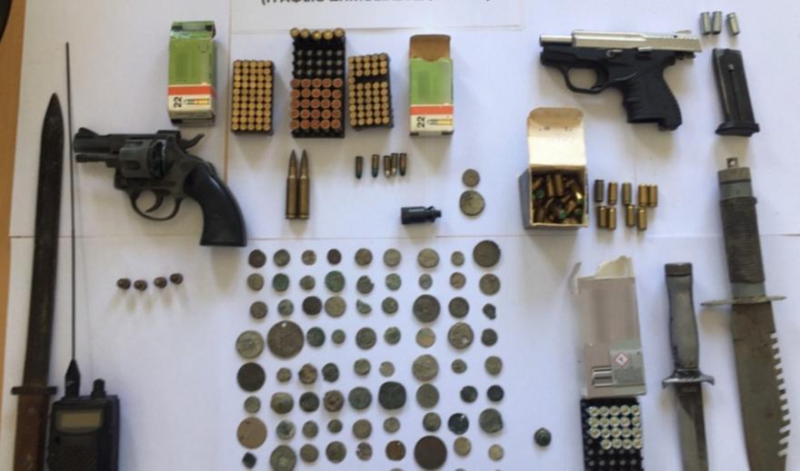 Συνέλαβαν αδέλφια στις Σέρρες - Έκρυβαν  αρχαία νομίσματα