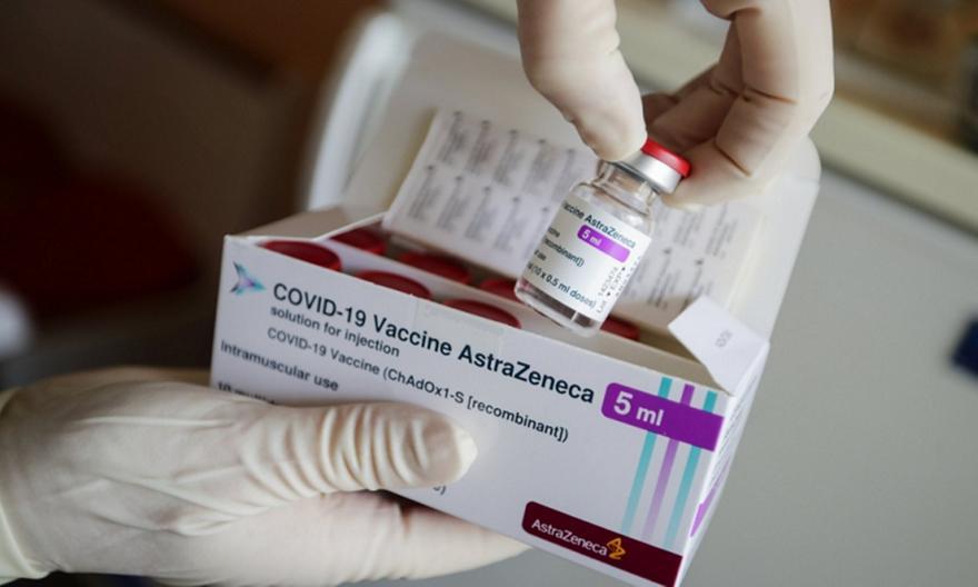Αξιωματούχος EMA για τη χορήγηση εμβολίων AstraZeneca