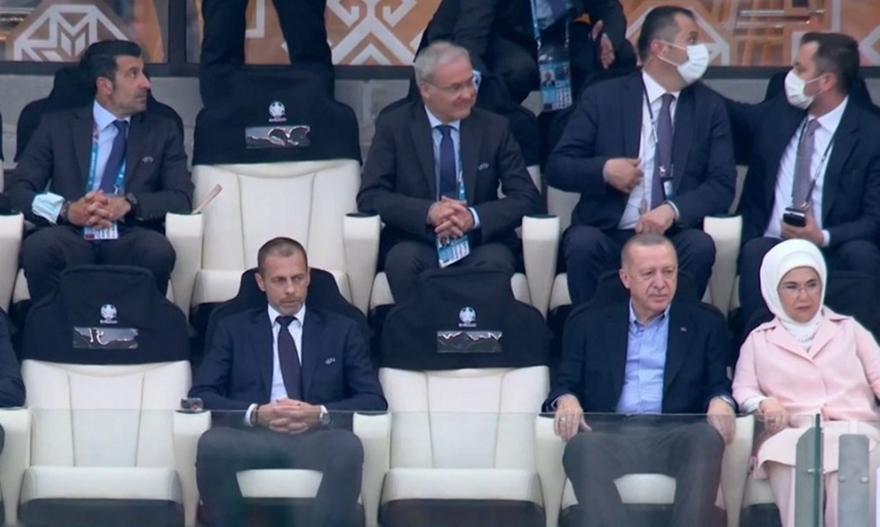 Τουρκία-Ουαλία: Στο γήπεδο ο Ερντογάν