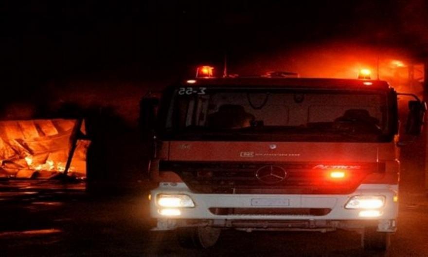 Θεσσαλονίκη: Φωτιά σε αποθήκη στον παλιό σταθμό του ΟΣ