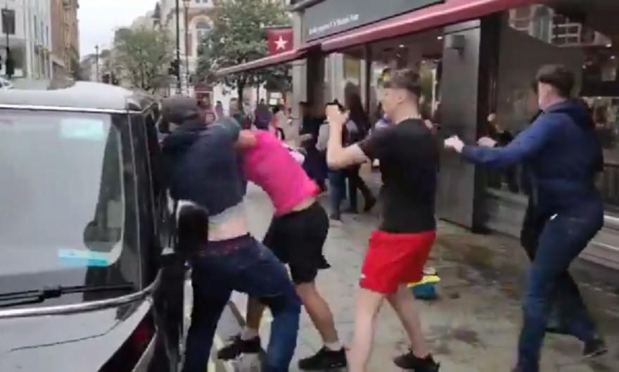 Αγγλία-Σκωτία: Έπεσαν «ψιλές» στο Λονδίνο