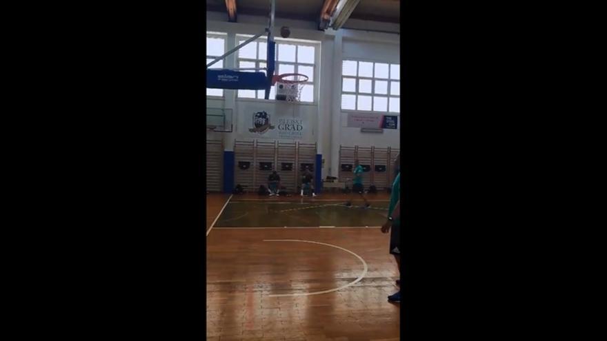 Ντόντσιτς: Το έβαλε από τον… πάγκο (video)