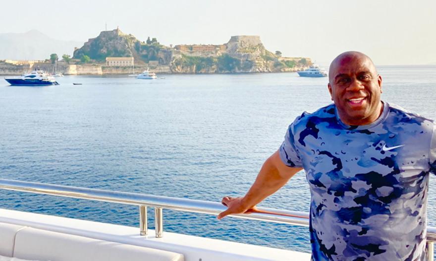 Μάτζικ Τζόνσον: Κάνει διακοπές στην Κέρκυρα