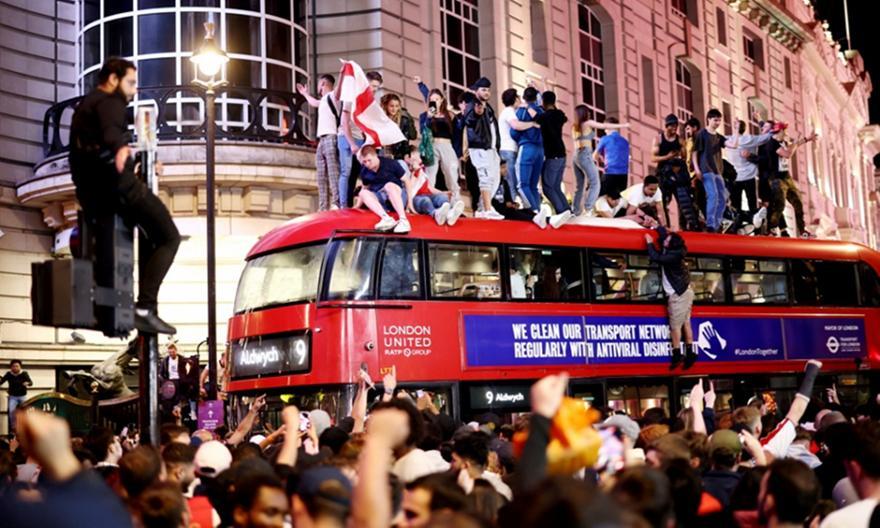 Euro 2021: Οι Άγγλοι ζητούν αργία τη Δευτέρα αν το πάρουν