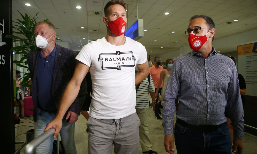 Βάτσλικ: Έφτασε στην Αθήνα και υπογράφει στον Ολυμπιακό!