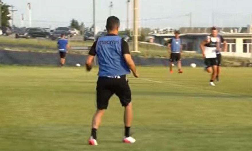 Από τη θεωρία στην... πράξη: Ο Λουτσέσκου «ντύθηκε» ποδοσφαιριστής