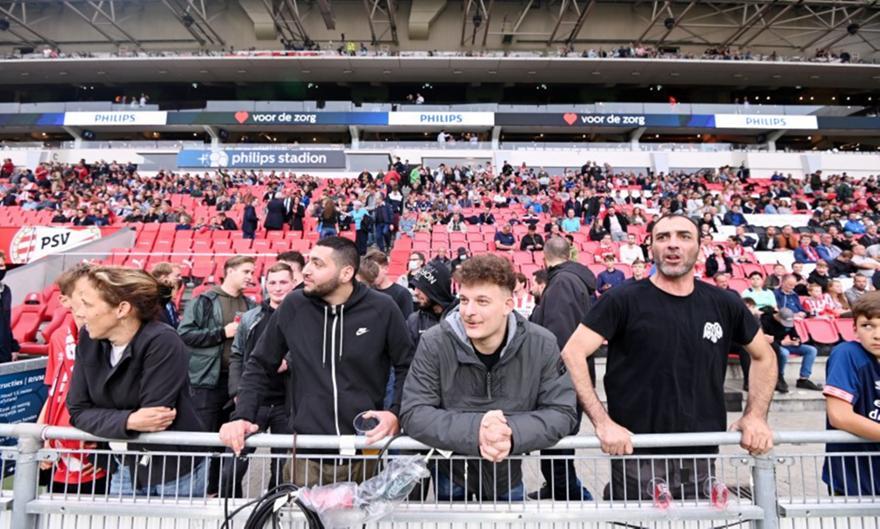 Τρελός οπαδός του ΠΑΟΚ ξεσηκώνει το «Phillips Stadion»