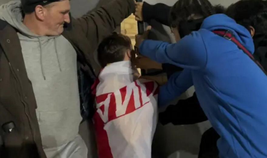 Τύπος παρουσίασε σε βίντεο πώς μπήκε τσάμπα στο Γουέμπλεϊ