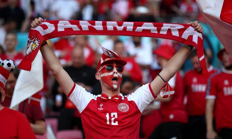 Καταγγέλλουν επιθέσεις από Άγγλους οπαδούς 43 Δανοί