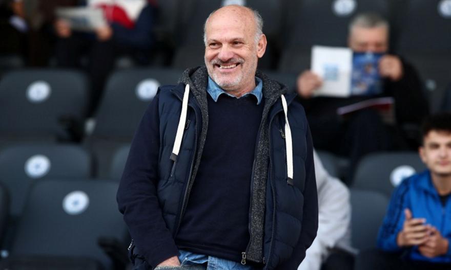 Καραγκιοζόπουλος: «Άργησε να πάρει παίκτες και το πληρώνει»