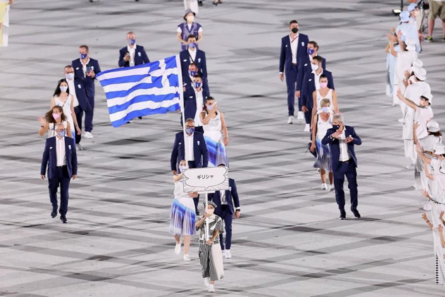 Τελετή Έναρξης: Η είσοδος της Ελλάδας με Πετρούνια-Κορακάκη