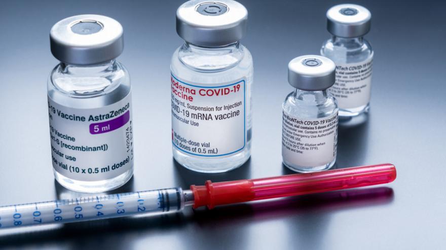 Εμβόλια: Περιέχουν τσιπάκι και αλλάζουν το DNA;