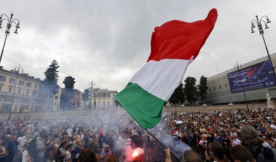 Aρνητές του κορωνοϊού διαδήλωσαν στην Ρώμη