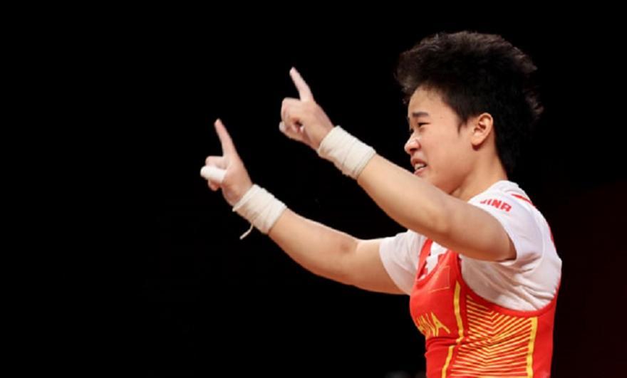 Άρση βαρών: Χρυσό μετάλλιο με τρία Ολυμπιακά ρεκόρ