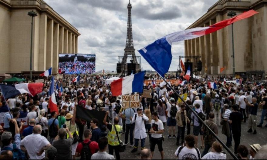 Γαλλία: Διαδηλώσεις κατά των περιορισμών για τον κορωνοϊό
