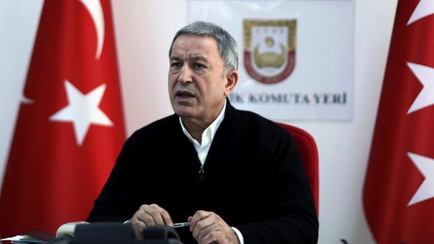 Τουρκία: Έκτακτη προσγείωση του αεροπλάνου του Ακάρ