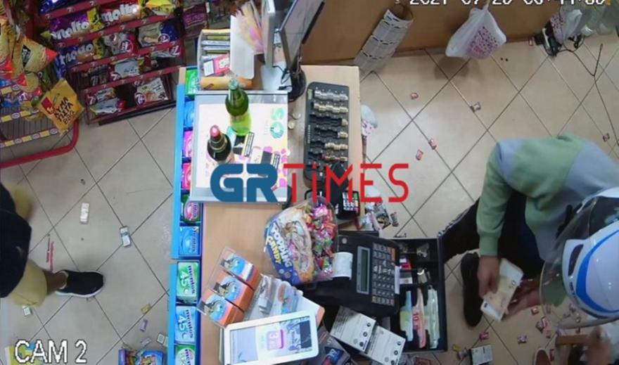 Θεσσαλονίκη: «Μπούκαραν» με σφυρί σε μίνι μάρκετ