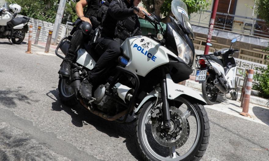Δάφνη: Σε διαθεσιμότητα αστυνομικοί που αδιαφόρησαν