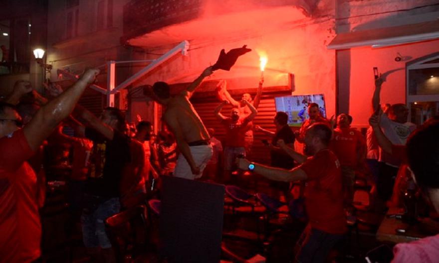 Χαμός στο Μόσταρ για την πρόκριση της Βελέζ επί της ΑΕΚ: «Καίγεται» η πόλη!