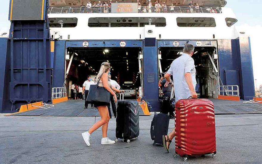 Εκαναν λιγότερες διανυκτερεύσεις οι Ελληνες το 2020
