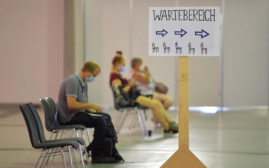 Γερμανία: Κρατίδια επιστρέφουν «αζήτητα» εμβόλια