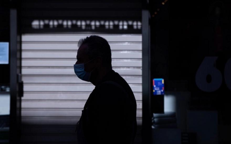 Γώγος για ανεμβολίαστους: Θα'πρεπε να βγαίνουν με τεστ